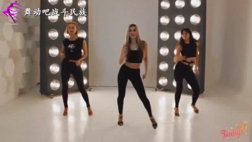 """俄罗斯舞蹈老师示范""""巴恰塔舞"""",舞姿太柔美了"""