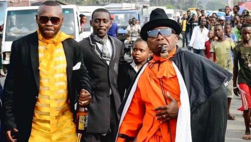 """非洲""""假土豪"""",明明很穷,为何还每天坚持穿名贵衣服!"""