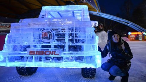 俄罗斯牛人用6吨冰块打造奔驰大G,一脚油门踩下去,真的可以开