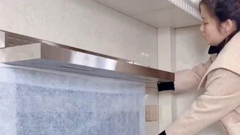 家庭厨房中的小窍门,小姐姐这样的实用方法,再也不怕油烟难清理了!