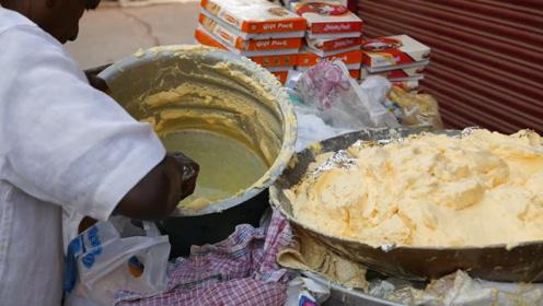 印度奇葩冰淇淋,放在铁桶里直接用手抓,中国吃货:免费都不吃!