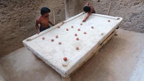 泥巴也能制作台球桌,不可思议的创意,看看他们是如何制作做的?