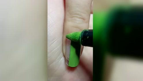 不用烤灯孕妇也能用的美甲笔,这个绿色太美了,好喜欢