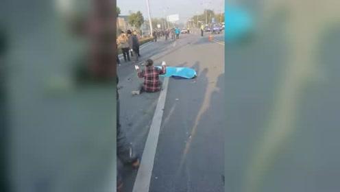 惨烈!骑电车送孩子上学被撞飞 致一死一重伤