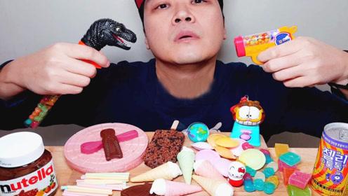 一桌零食千奇百怪,大叔童心未泯,要给恐龙吃糖果吗?