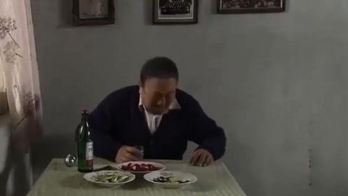 妻子失踪丈夫却在家喝酒吃肉,刑警大队长一进屋立马察觉不对劲!