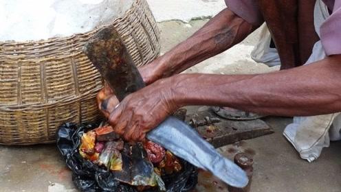 为什么印度人杀鱼不用菜刀,而是把鱼撞向刀呢?看完算长见识了