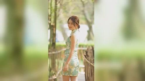旗袍的魅力,从不在于华丽的外表,而是谁才能够完美的驾驭对吗?