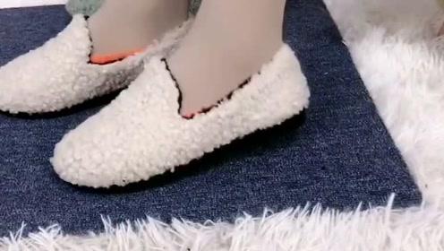穿网红鞋漏袜子真的不好看,这样叠两下就隐形看不见了