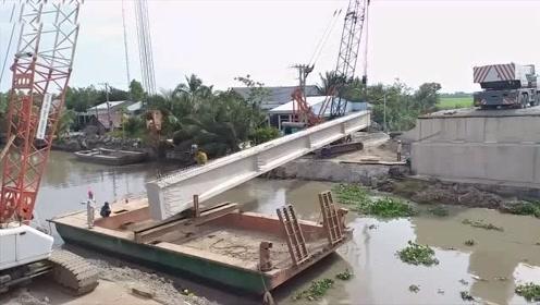 看看德国是如何建桥的,这几十米长混凝土架子一出场就知道不简单