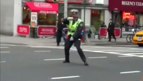 纽约跳舞女交警,不去当舞蹈家真是亏了!