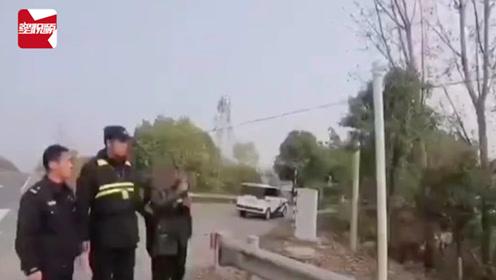 民警都笑了!南京一男子闯红灯后怕被曝光,竟直接偷走摄像头
