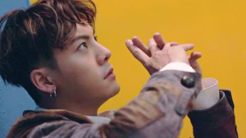 陈伟霆登《时装男士》十二月明星刊封面