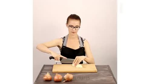 教你几个厨房小妙招,这个切洋葱不辣眼睛的尤其好
