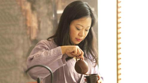 最美茶女子,如何优雅地泡一杯茶?