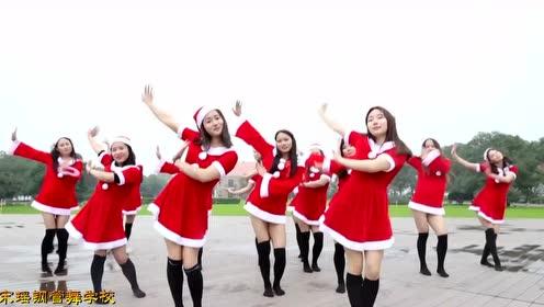 中西结合的圣诞节你有见过吗?