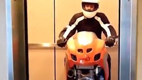 18岁小伙发明独轮摩托车,可以轻松骑进电梯,获多项国际大奖