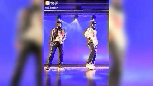 双胞胎机械舞节奏控制神同步