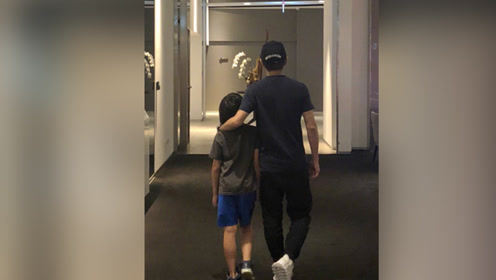 林志颖答应带Kimi看电影 晒合照儿子大长腿抢镜