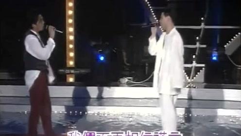 一个是歌神,一个是影帝,两人同台合唱《一天一点爱恋》,超好听