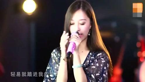 美女翻唱张学友《一千个伤心的理由》唱出别样味道, 致敬经典