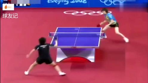 张怡宁在球拍不合格的情况下,依旧完虐对手,教练激动的不行!