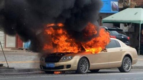 夏季开车要注意,车上千万不要放这些东西,小心自燃!