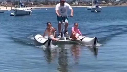 外国大叔挑战水上漂,速度惊人,上水的那一刻让人大开眼界!