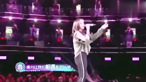 最近超火的新歌!邓紫棋现场演唱《光年之外》!