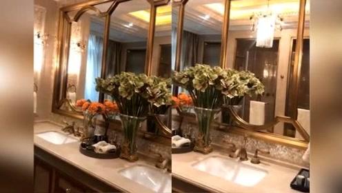 李湘的浴室金碧辉煌太豪华,水晶吊灯大理石气派十足