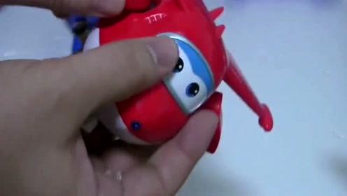 超级飞侠玩乐迪炫酷变身,你见过这么强的钢铁机器人吗