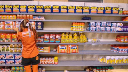 """这家超市正大光明卖""""假货"""",店主:就是刚"""
