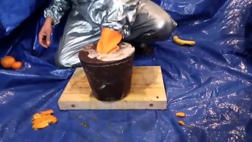 巨型巧克力糖果遇到椰子会发生什么?看完椰子的下场我沉默了