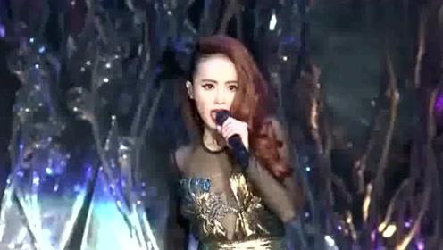 蔡依林实力演唱《无言以对》《天空》