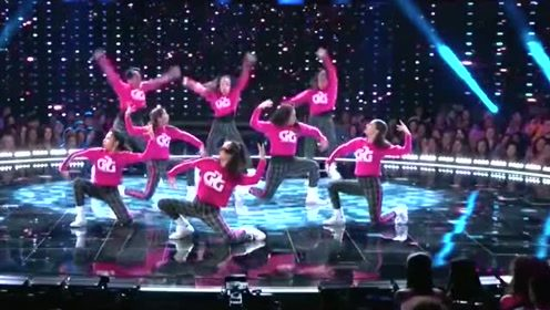 一群小可爱超棒的齐舞表演,表情丰富舞技精湛!