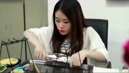 办公室小野小小直发机大功能可以做出,烤韭菜芝士排骨还有烤鱼