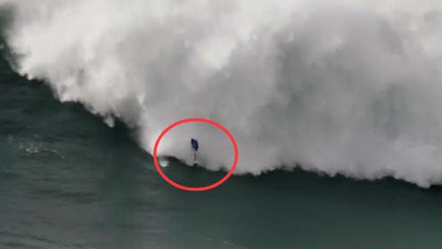 男子差点葬身大海,多亏同伴救援及时,全程惊险紧张