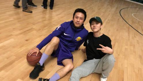 邓超凌晨约鹿晗打篮球 遭网友调侃:老年人不能熬夜
