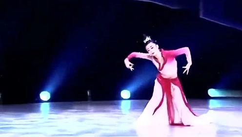 女子古典舞独舞《似是故人归》舞蹈剧目