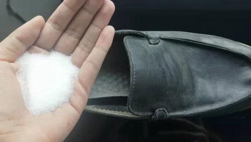 不管多酸臭的鞋子,只需鞋内撒一把,汗臭味立马全部消失,太棒了