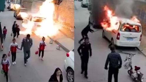 事发监控曝光!面包车起火爆炸司机身亡 50米外民房玻璃被震碎