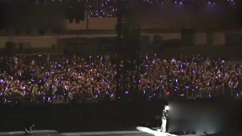 张学友2017深圳演唱会现场欢呼尖叫,气氛太嗨了…