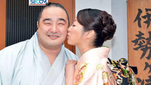 日本女性都喜欢相扑?不是因为长的帅,真相是这样的!