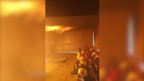 """""""最帅逆行者""""如何炼成?来看消防员烟热真火模拟训练"""