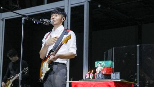 李荣浩人缘真好!演唱会来了好多明星犹如北京艺人团建现场