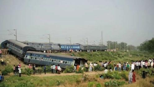 火车脱轨后怎样才能重返轨道?原来方法如此简单让人万万没想到