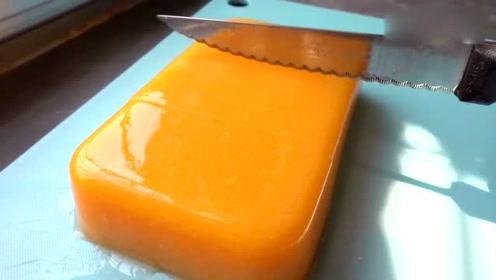 教你在家自己做水嫩光滑的木瓜凉粉冻,一斤木瓜两盒牛奶,超简单