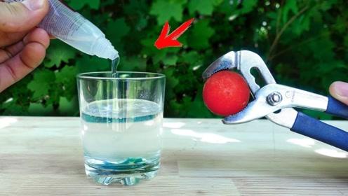 烧红的金属球放入胶水中,高温烫过后的胶水会变成史莱姆吗?