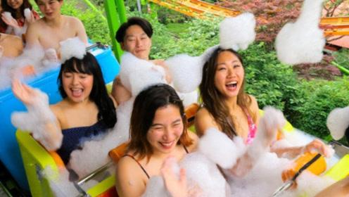 日本最奇葩的过山车,往座位里倒温泉水,真让人大开眼界