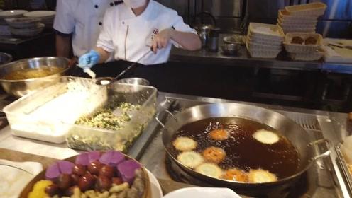 锅气十足 福州小吃海蛎饼和鼎边糊
